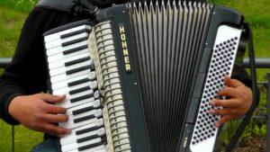 Jahreskonzert des Akkordeon-Orchesters Bergisch-Echo @ Aula des städtischen Gymnasiums